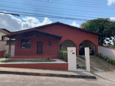 Casa de 1.064,00m²,  à venda
