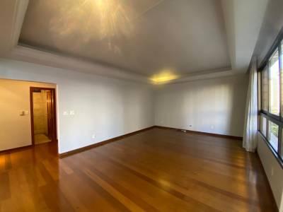 Apartamento de 210,00m²,  para alugar