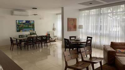 Apartamento de 260,00m²,  para alugar