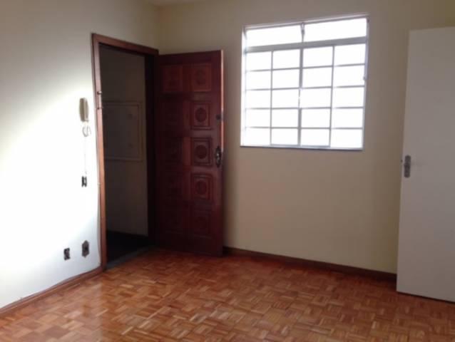 Apartamento   Santa Cruz Industrial (Contagem)   R$  750,00