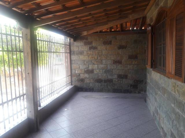 Casa   Pedra Azul (Contagem)   R$  1.200,00