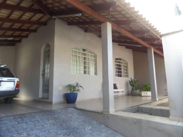Casa   Santo Antônio (Divinópolis)    700.000,00