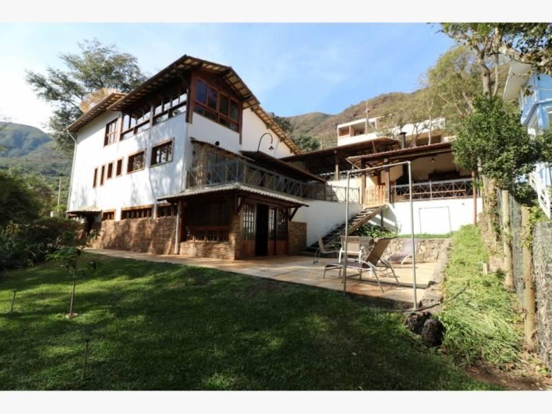 Casa em condomínio de 1.740,00m²,  à venda