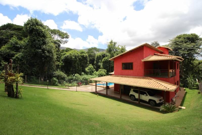 Casa em condomínio de 1.136,00m²,  à venda