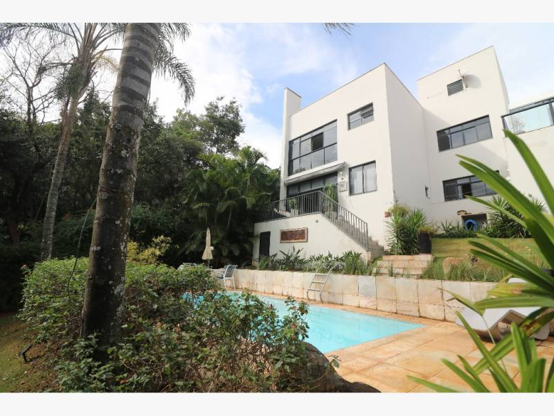 Casa em condomínio de 1.374,00m²,  à venda