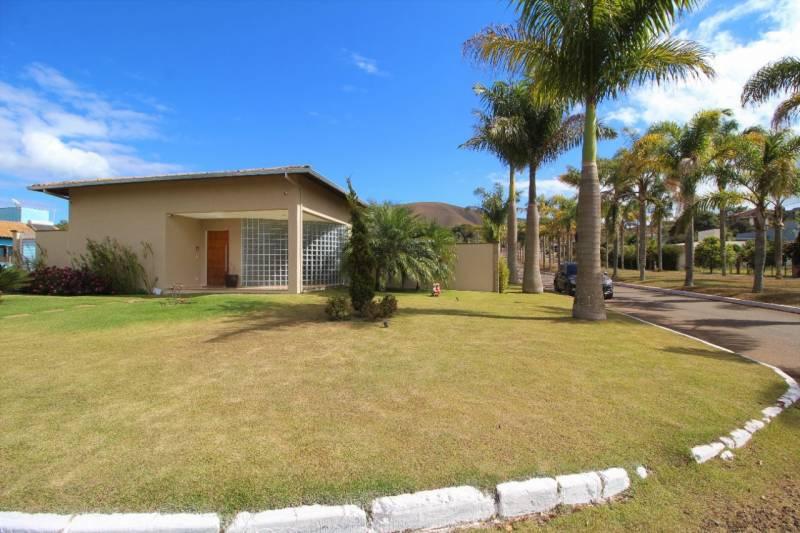 Casa em condomínio de 714,00m²,  à venda